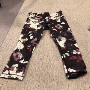 Lululemon cropped wunder under patterned legging